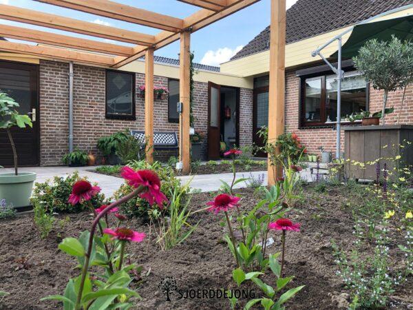 Bloementuin-Gaanderen-Kraanwerkzaamheden- Pergola-Douglas-Sjoerd-de-Jong-Hovenier-Achterhoek