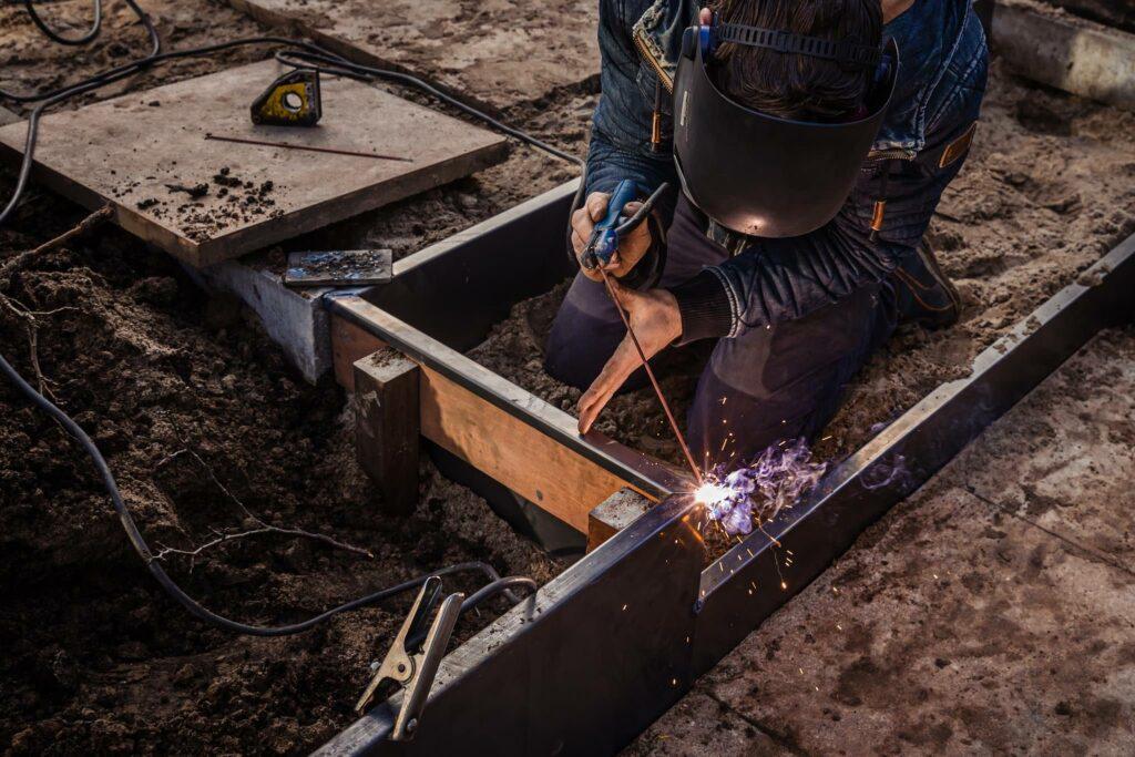 Tuinaanleg-hovenier-sjoerd-de-jong-achterhoek-plaatwerk-staal-lassen-slijpen-stoerstaal-36